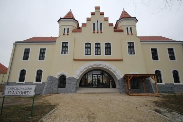 Hajmáskér, egykorvolt tüzériskola és szovjet laktanya#4