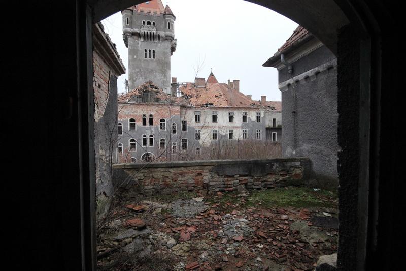 Hajmáskér, egykorvolt tüzériskola és szovjet laktanya#39