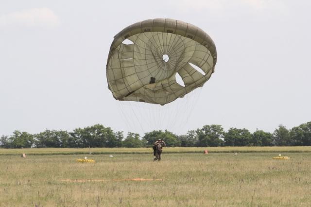 MH 86. Szolnok Helikopter Bázis nyílt napja#22