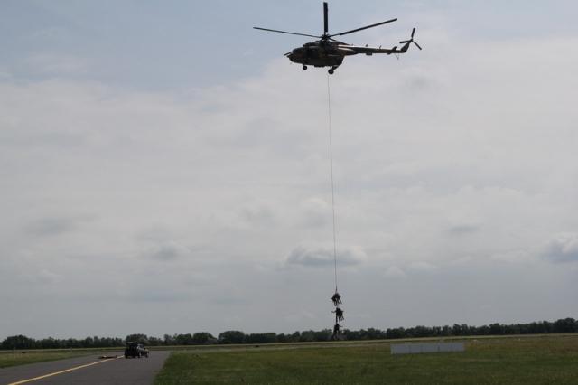 MH 86. Szolnok Helikopter Bázis nyílt napja#30