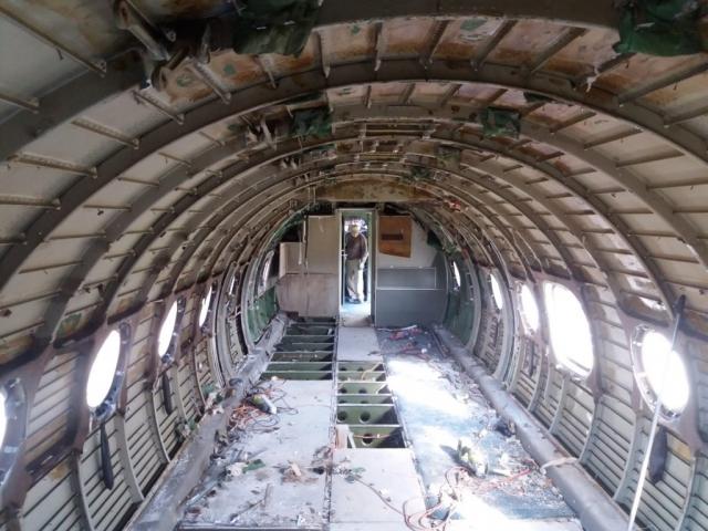 Jelenetek a keceli An-24V átváltozásából #8