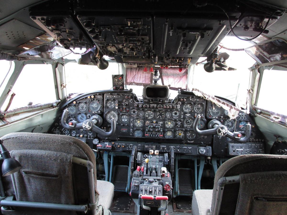 Jelenetek a keceli An-24V átváltozásából #14