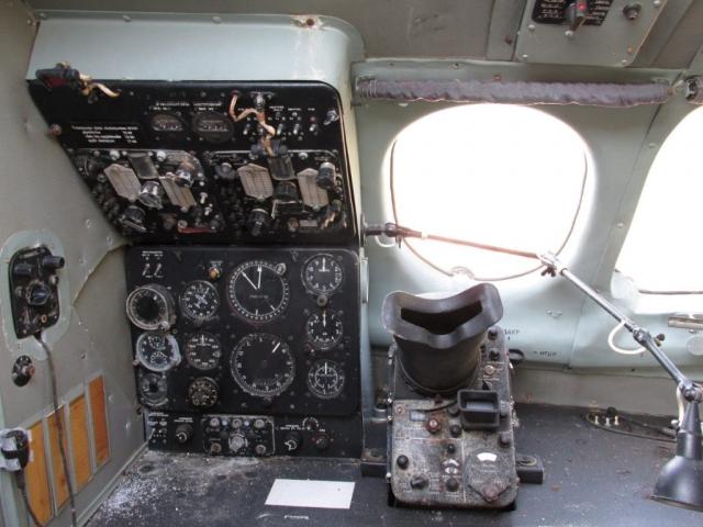 Jelenetek a keceli An-24V átváltozásából #15