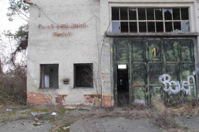Helyőrség a város szélén - Rétság, Hunyadi János laktanya#35