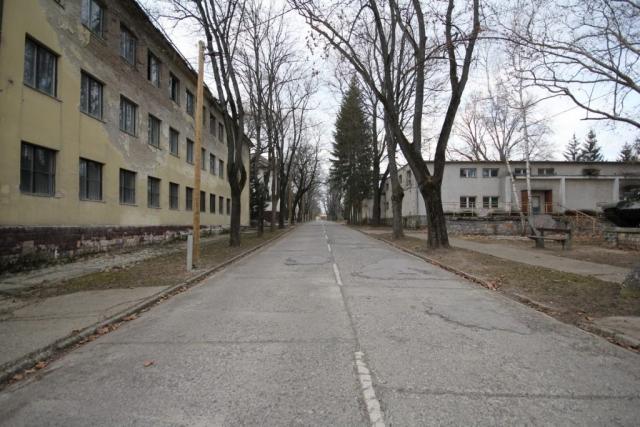 Helyőrség a város szélén - Rétság, Hunyadi János laktanya#49
